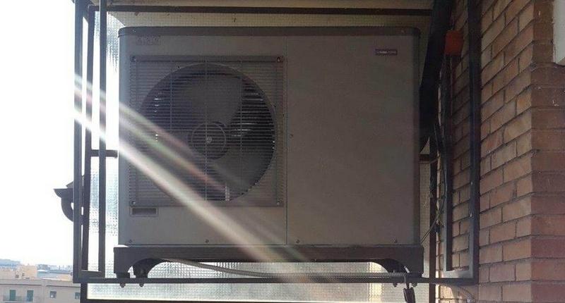 Impianto aerotermico per appartamento - Unità esterna pompa di calore NIBE F2040