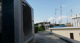 Unità esterna pompa di calore NIBE Split Pack1 per impianto aerotermico in appartamento.