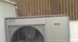 Unità esterna pompa di calore NIBE Split Pack2 per impianto aerotermico.