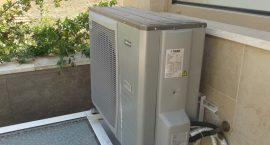 Unità esterna pompa di calore NIBE Split Pack1 per villino monofamiliare.