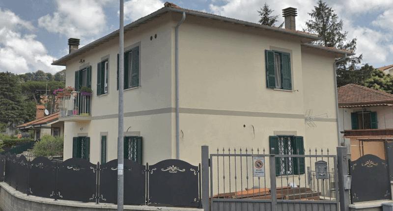 Impianto aerotermico per riscaldamento, raffrescamento e acqua calda in villa